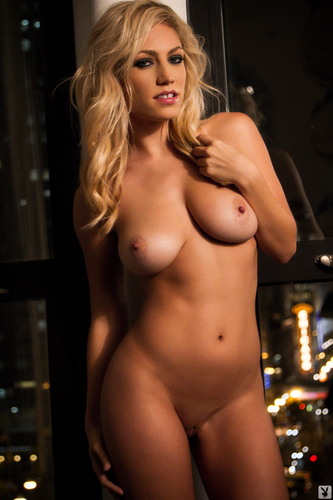 hot-ufc-ring-girl-nude-alma-wade-cosplay-nude